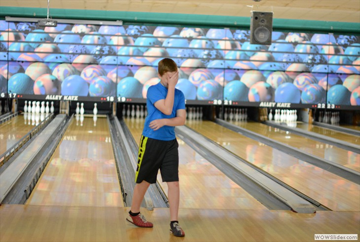 Youth Bowling Outing, Pic by Jessica Geising