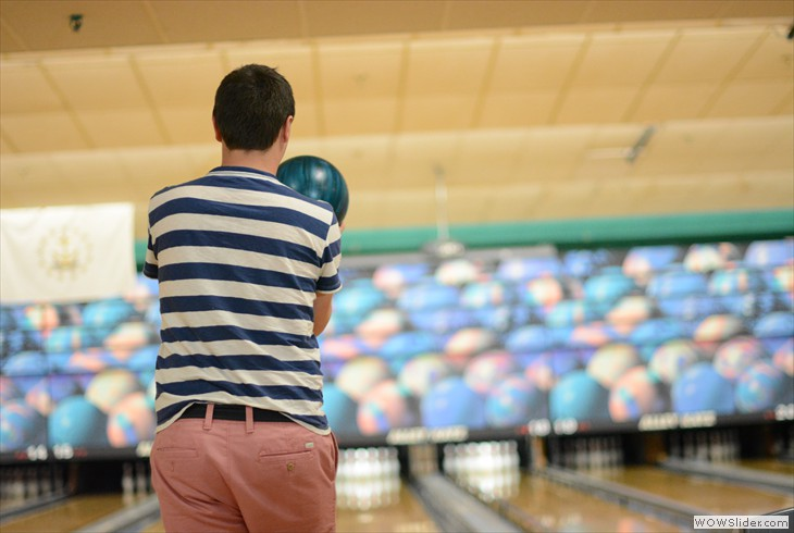 Church Youth Bowling, pic by Jessica Geising